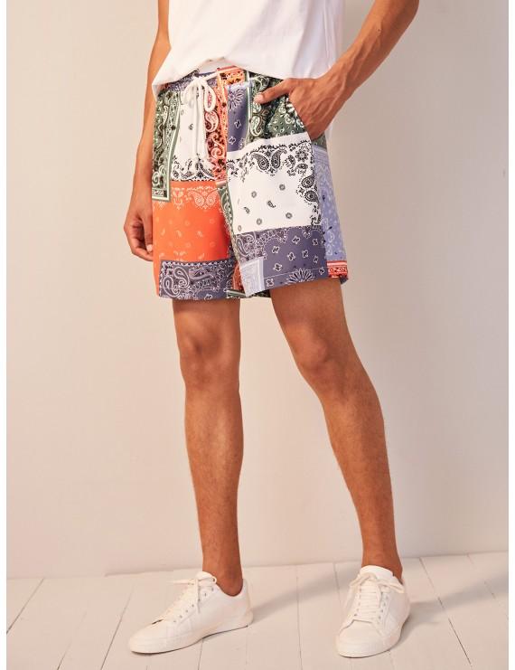 Men Scarf Print Slant Pocket Shorts